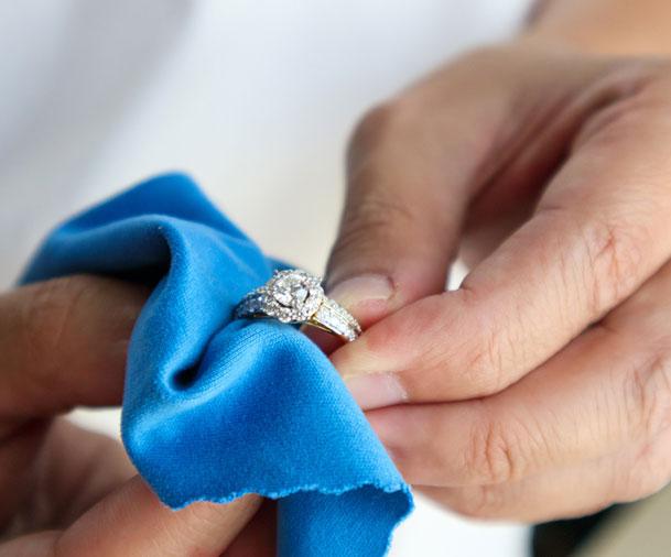 jeweller-hand